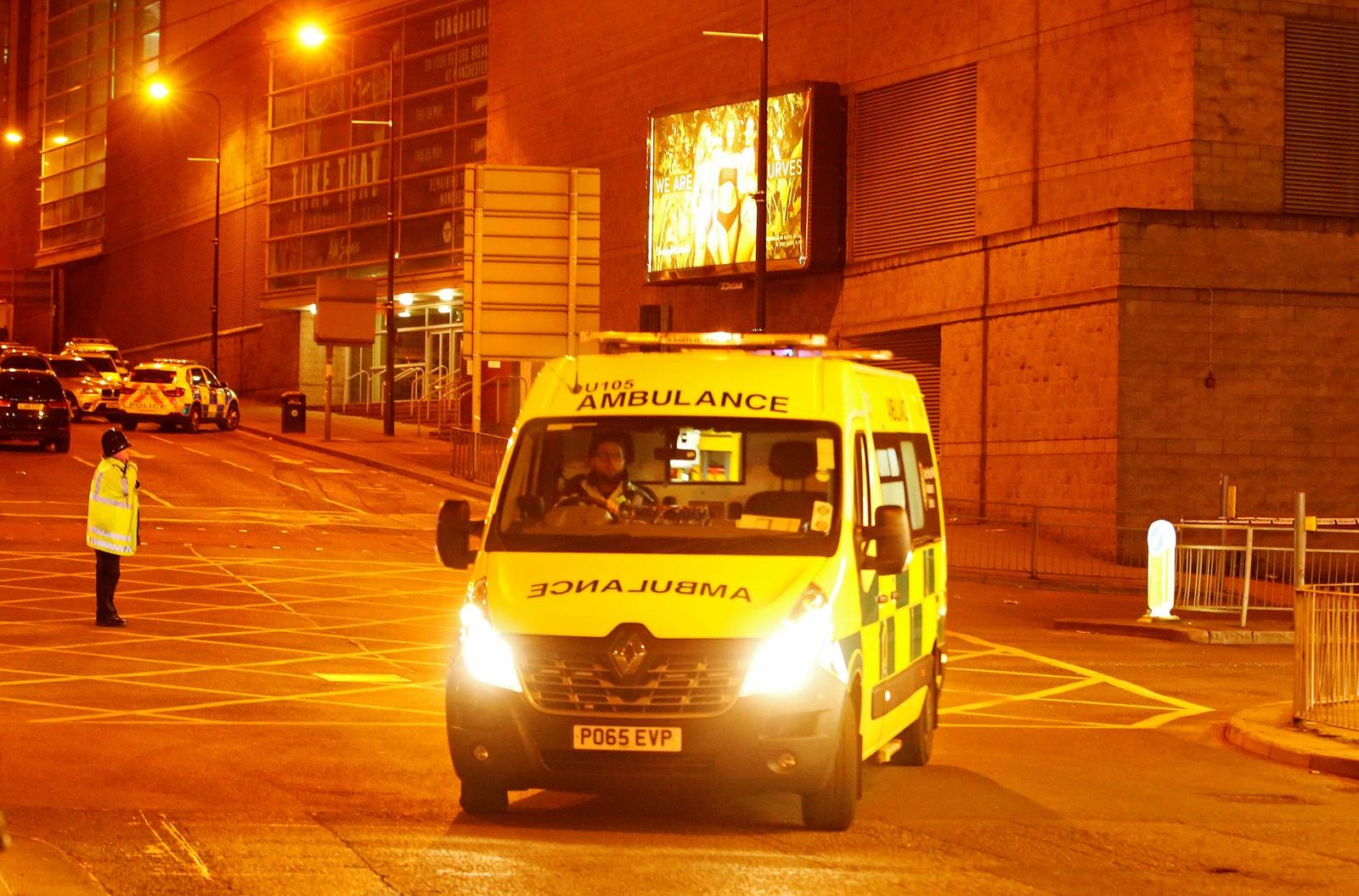 Ved 03-tiden natt til tirsdag opplyste politiet at minst 19 er drept og 50 skadd.