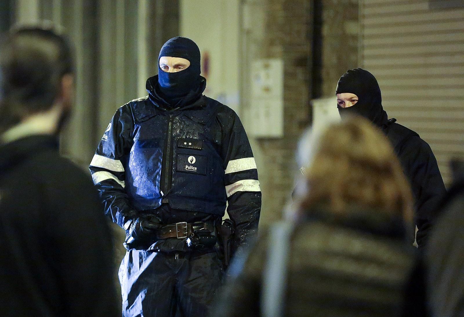 Det var ved 18-tiden torsdag at det ble meldt om flere eksplosjoner og skudd i byen Verviers øst i Belgia. De mistenkte åpnet ild mot politiet før de ble drept, ifølge påtalemyndigheten.