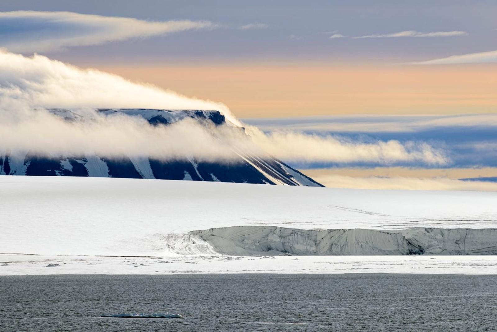870 KM TIL NORDPOLEN: Øyriket Franz Josef Land er det landområdet i verden som ligger nærmest Nordpolen på den østlige halvkulen.