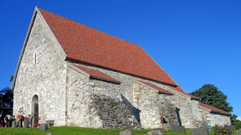 Sakshaug gamle kirke, vigslet i 1184