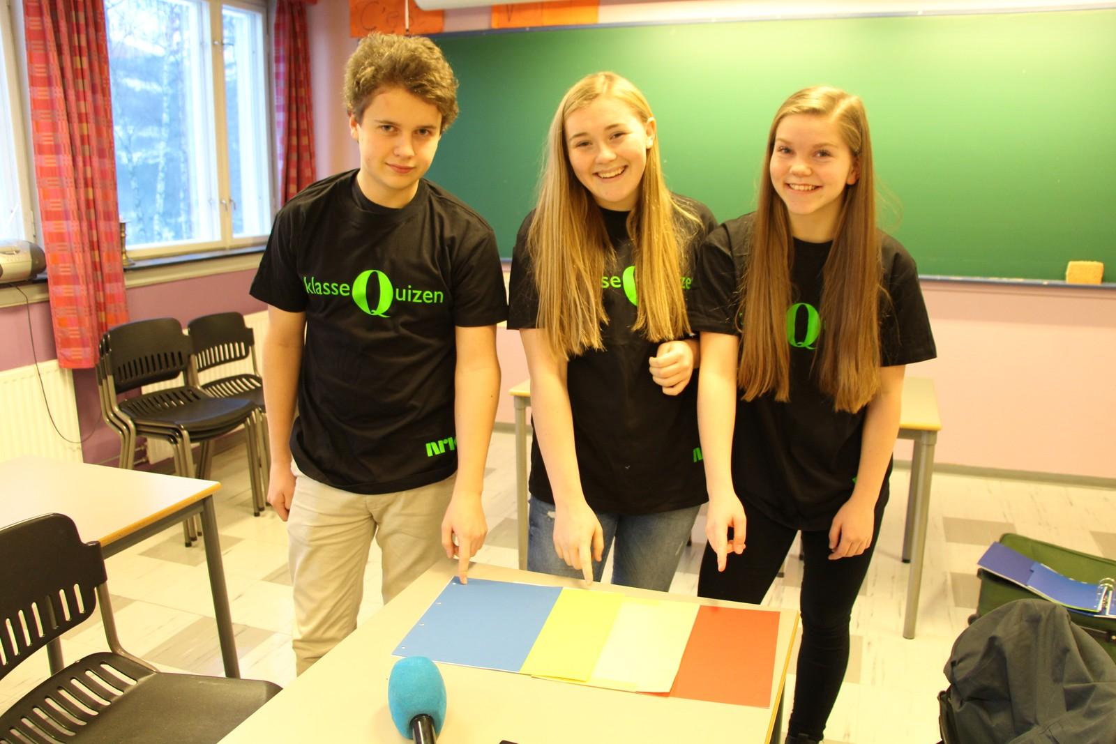 Tormod Baukhol, Karoline Rundsveen og Ingri Veskje fra Sør-Fron ungdomsskule fikk sju poeng i årets Klassequiz.