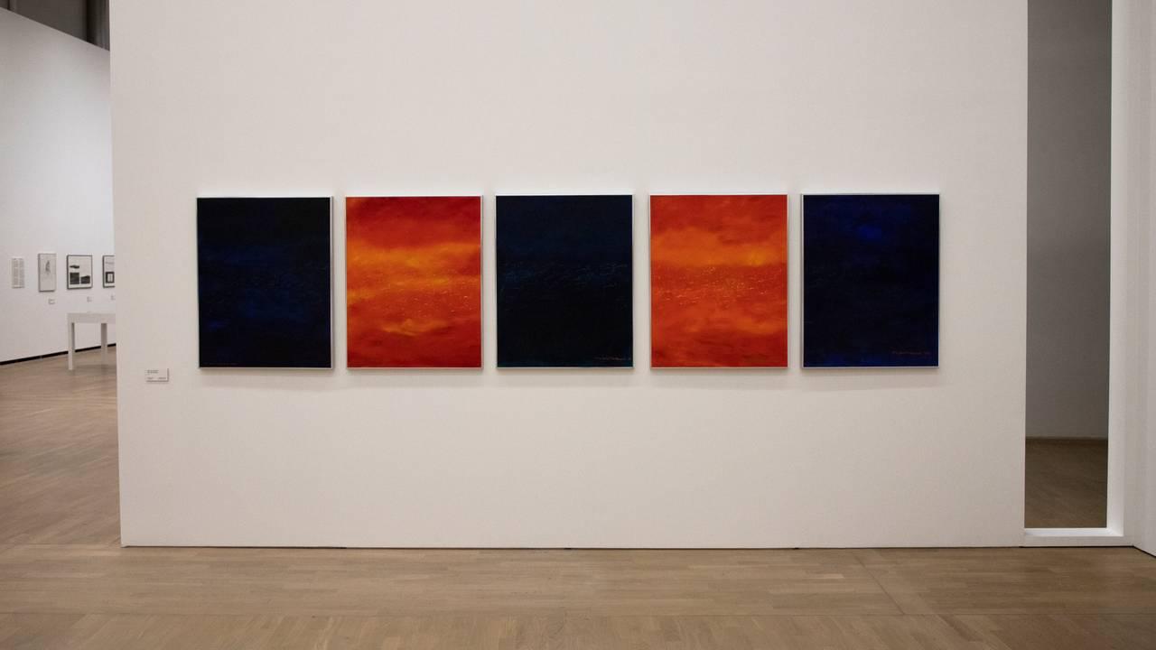 Fem Áillohaš-bilder på utstilling