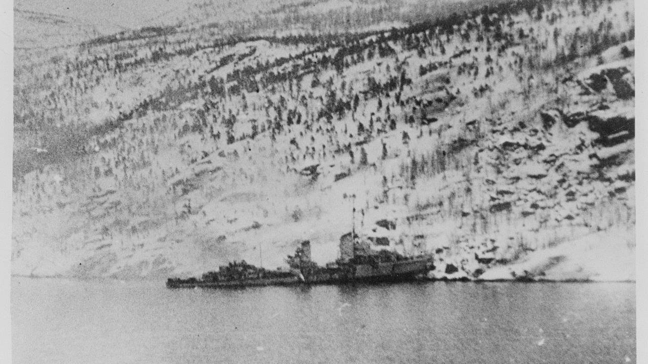 Tysk jager presset på land i Rombakfjorden