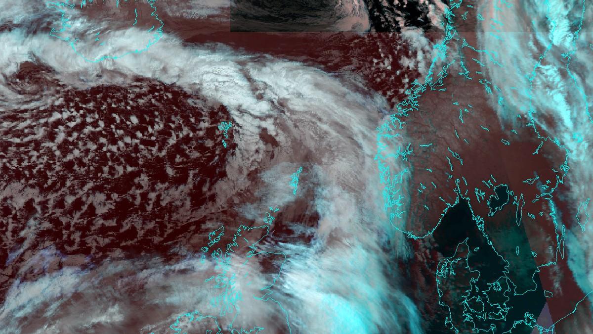 Satelittbilete av storm på veg