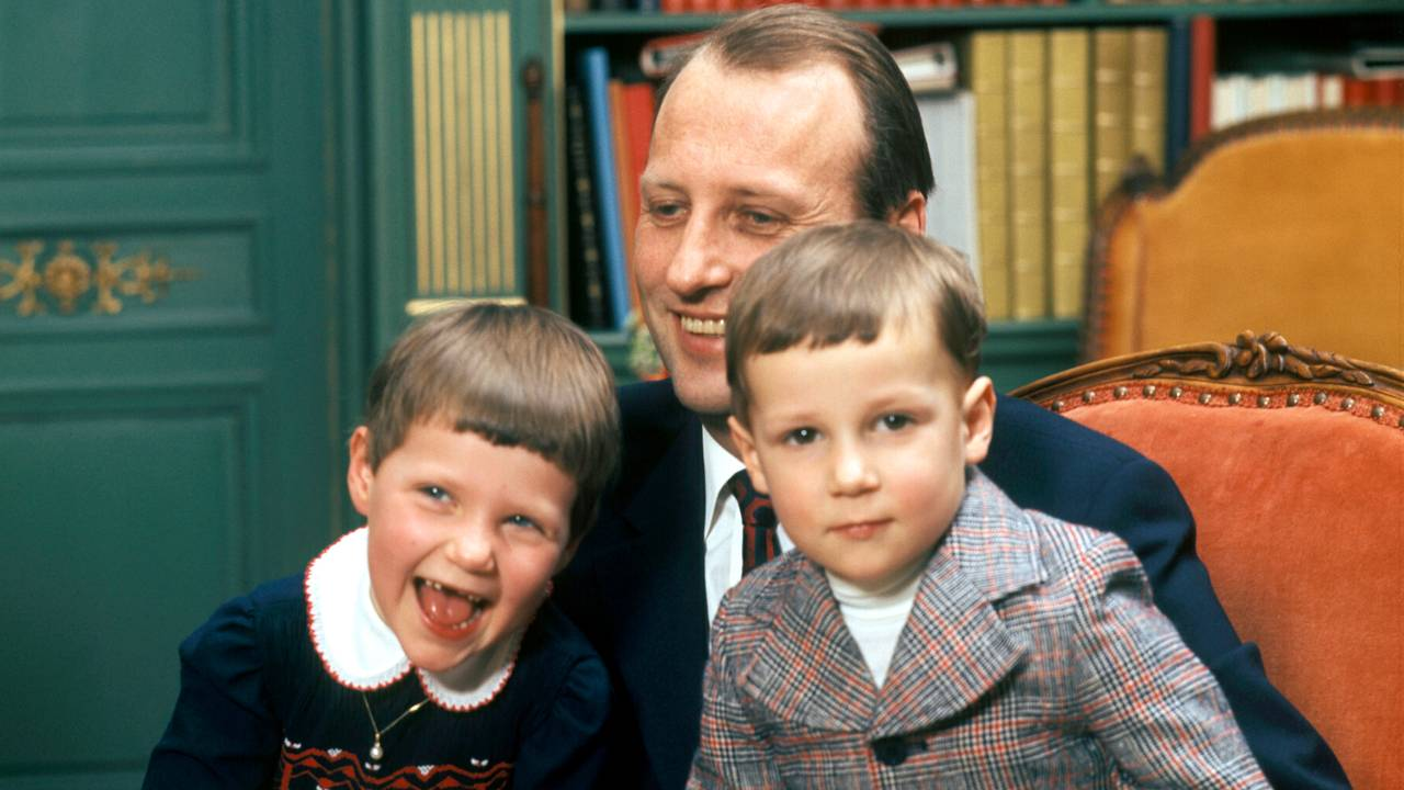 Kronprins Harald og barna, prinsesse Märtha Louise og prins Haakon Magnus