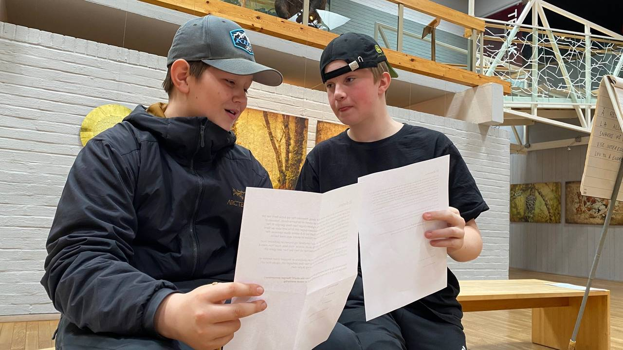 Ola Pettersen Andraa og Tobias Moen Gerardt på Skogmuseet i Elverum