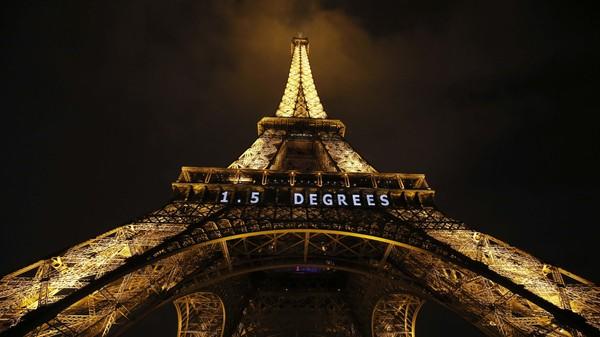 HØYE MÅL I PARIS: Under klimatoppmøtet i Paris i desember 2015 vedtok verdens ledere at de skulle forsøke å hindre en oppvarming på 1,5 grader, sammenlignet med førindustriell tid.