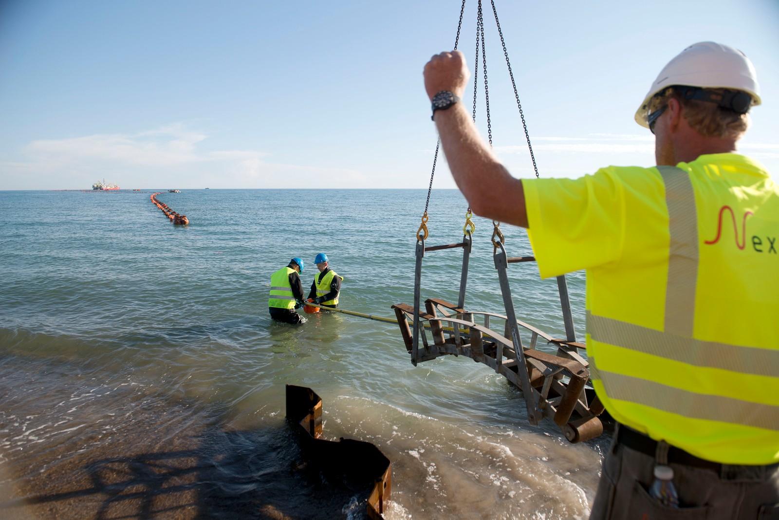 Energinet.dk og Stattnett i legger ca 140 km kabel tvers over Skagerrak fra Bulbjerg strand i Jammerbugt til Kristiansand i Norge.
