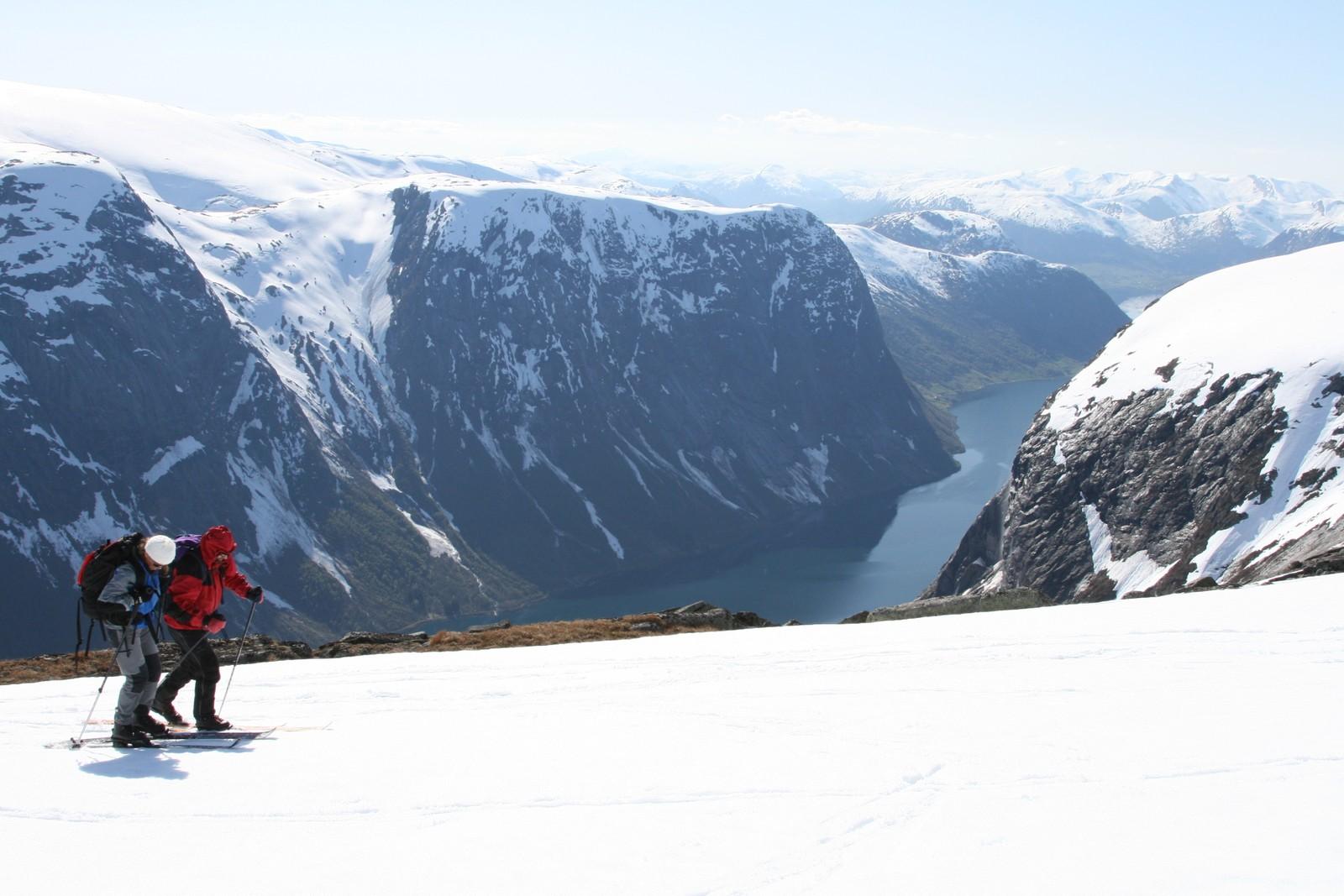 Frå rundturen Befringsstøylen - Kvannebakkbu - Bjørga. Utsikt over Kjøsnesfjorden.