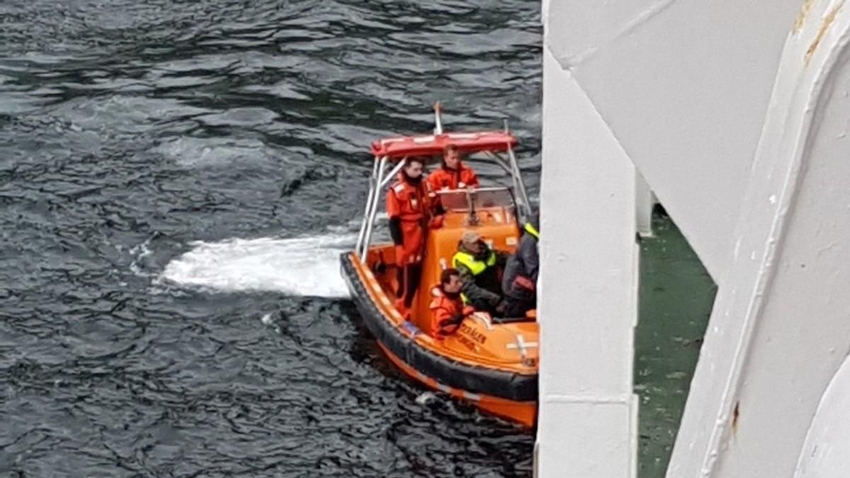 Her reddes fisketuristene av hurtigruta