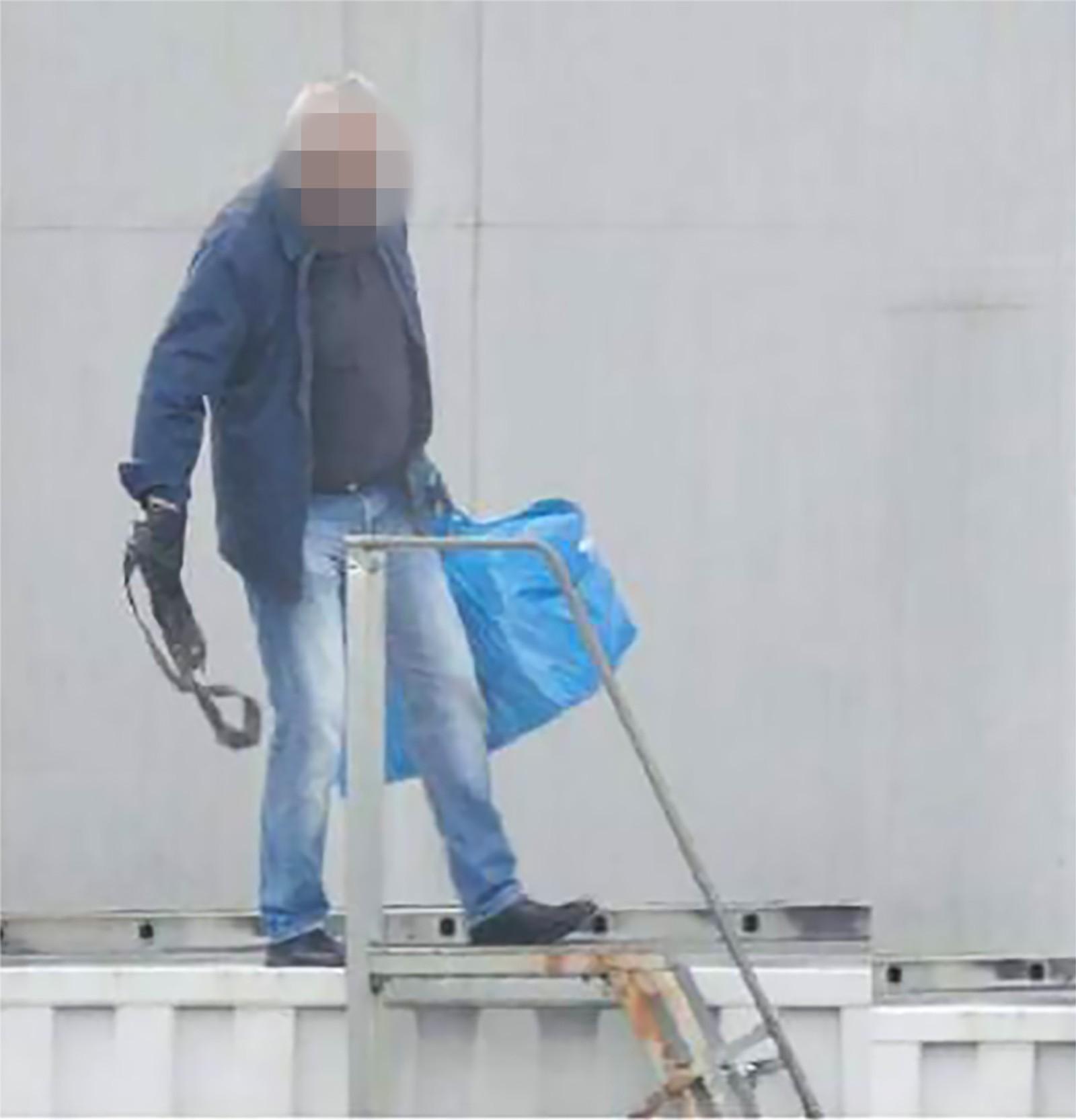 Ved å følge med på transporter av hasj ut av containeren kunne politiet finne flere involverte.