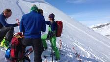 FARE: Sjølv om det er fint vêr, kan fjellet vere svært lunefullt med ein snøskredfare på nivå tre.