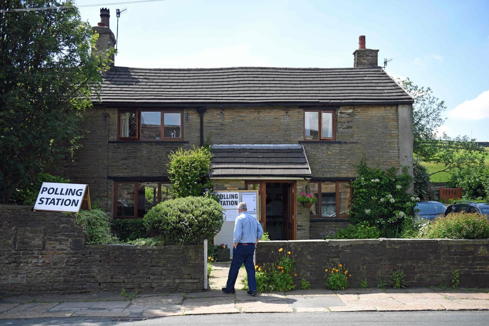I Rochdale, nord i England, kan man stemme hjemme hos naboen.