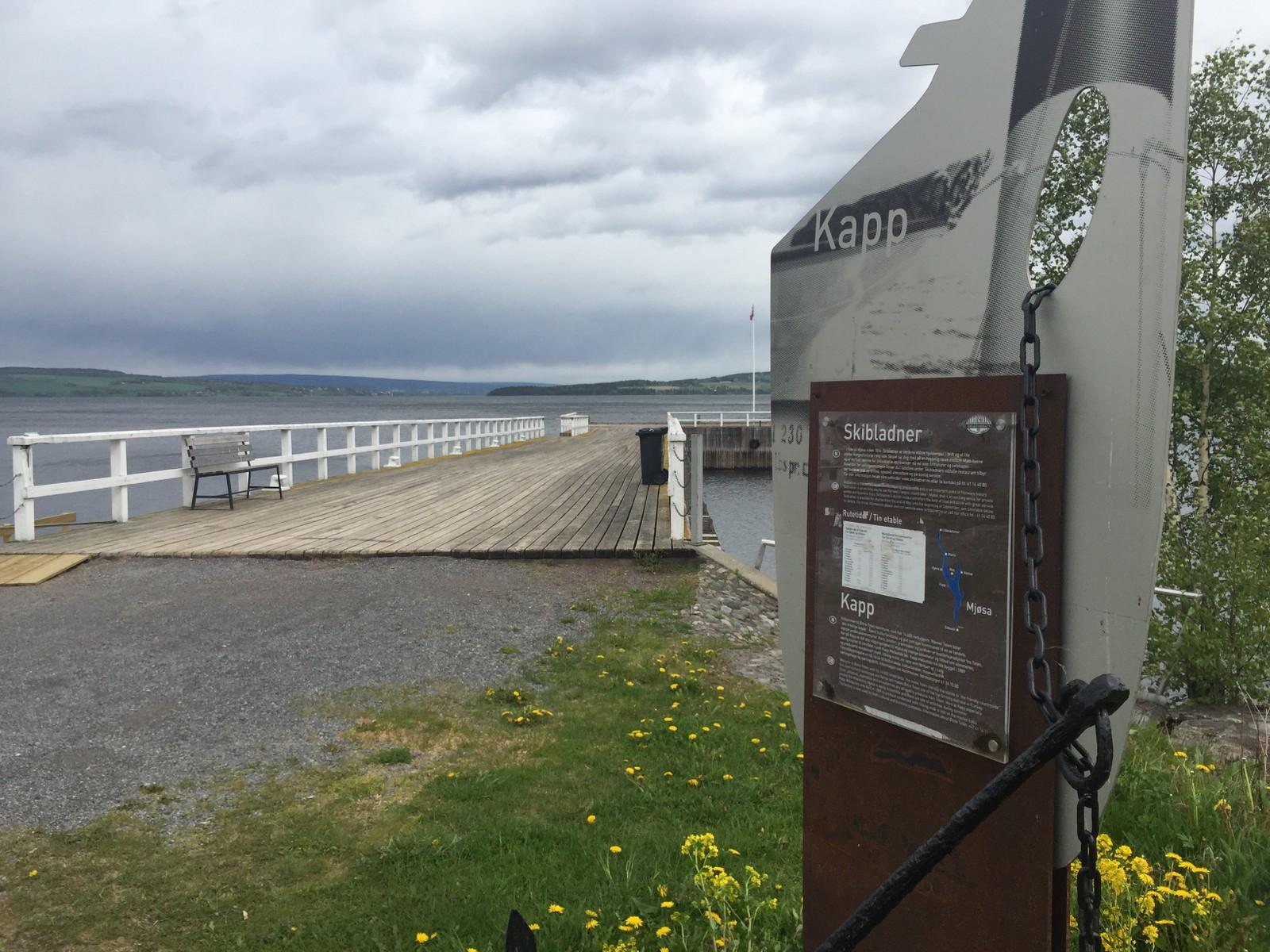 """RETT VED: Utstillingslokalene til """"Mjøsas Ark"""" ligger ved Mjøskanten på Kapp."""