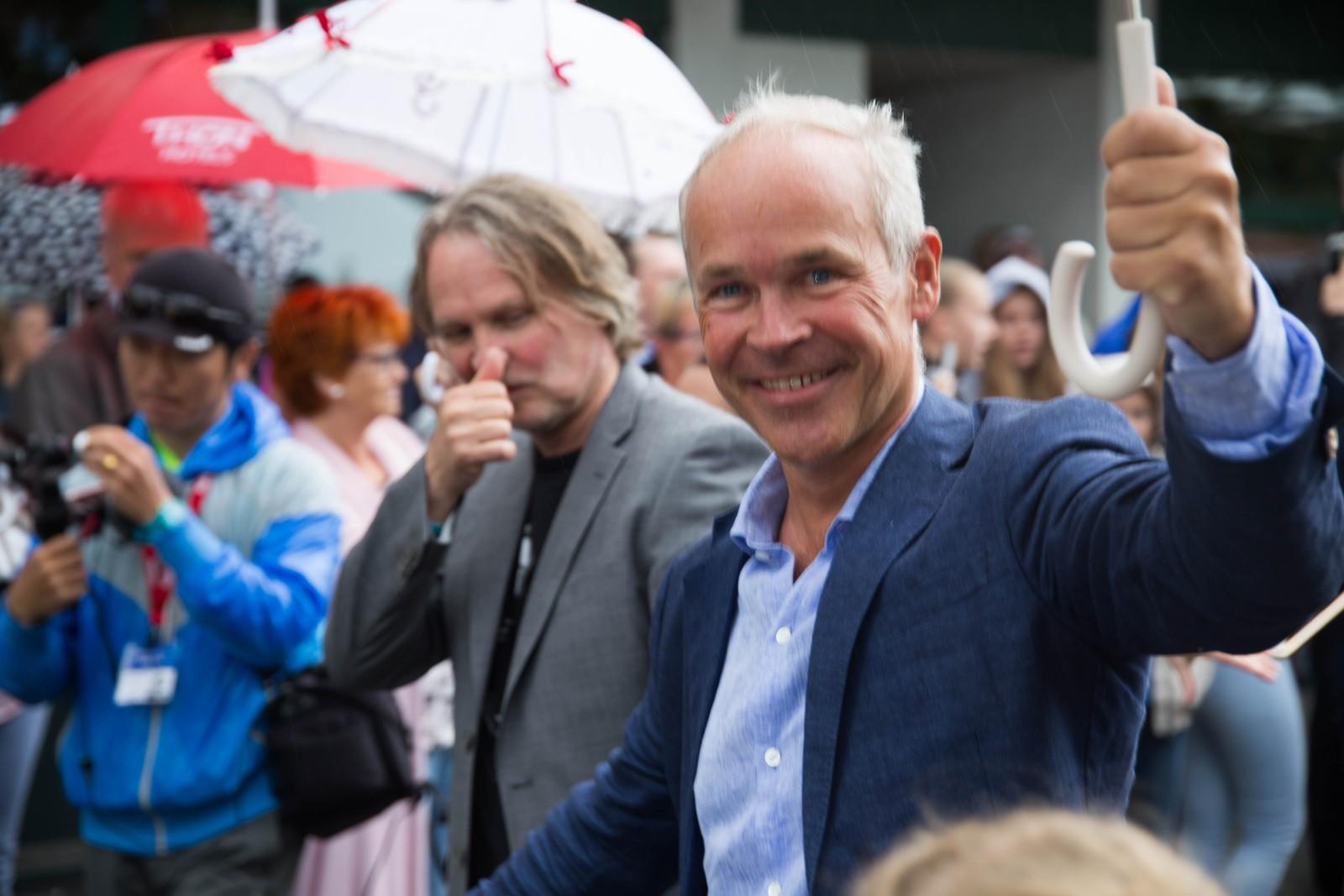 Jan Tore Sanner strålte under åpningen av årets jazzfestival i Molde.