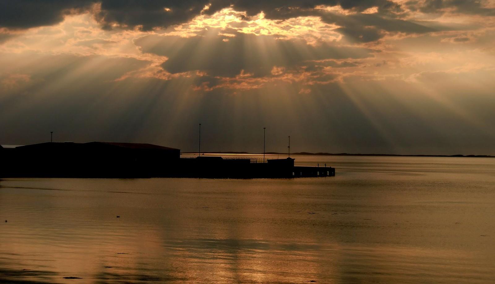 Solnedgang over Uthaug
