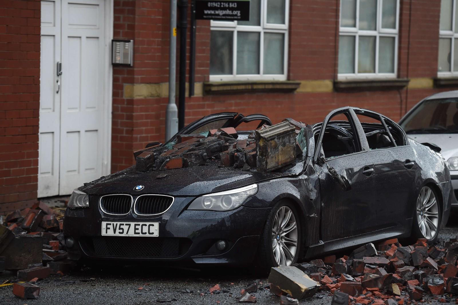 Stormen Barney ramma de nordre delene av England denne uka, noe denne BMW-en fikk merke.