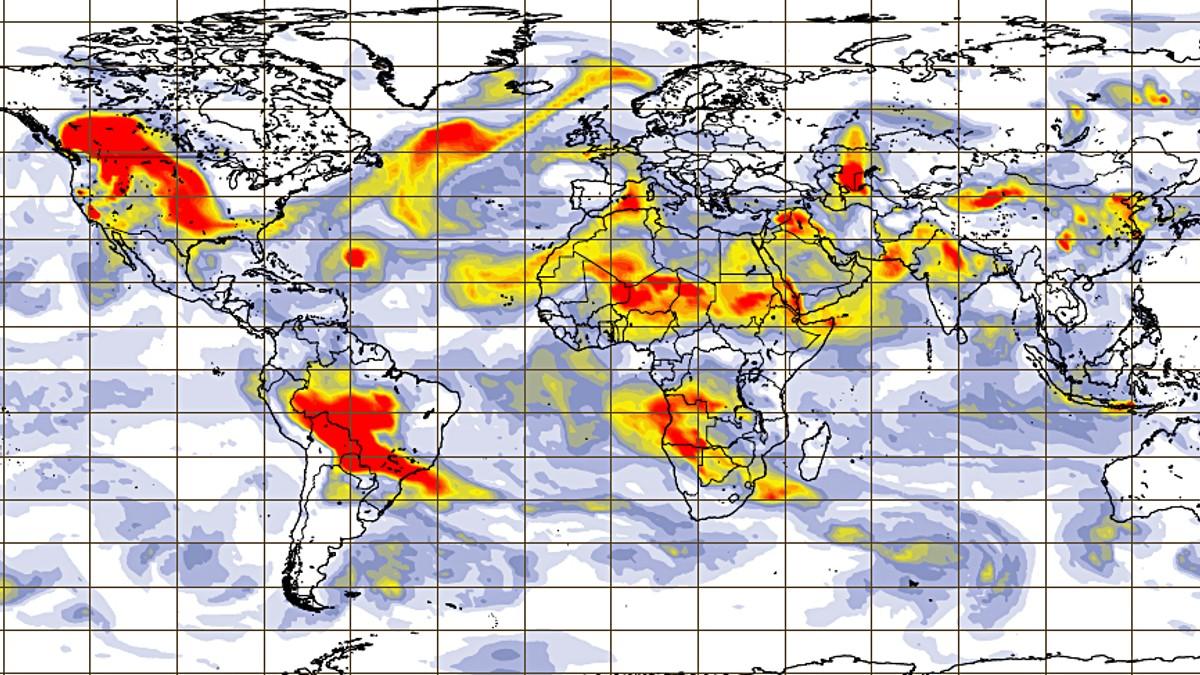 Luftstrømmer tar med seg røyk fra skogbrannene i USA til Norge og Europa.