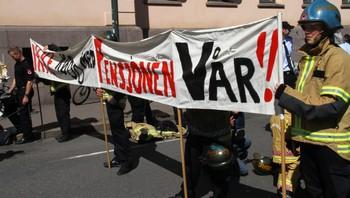 Brannmenn på Youngstorget 1. mai