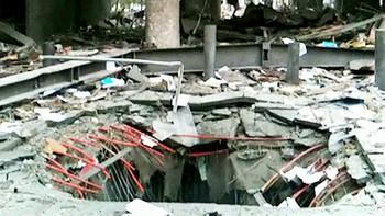 Bombekrateret utenfor Høyblokka i regjeringskvartalet