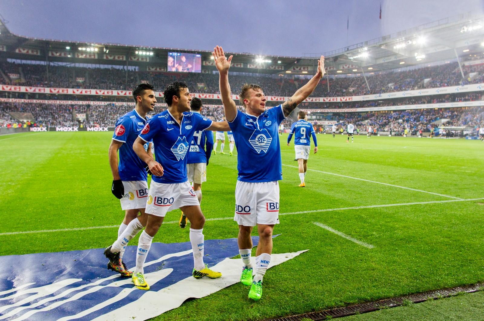 Fredrik Gulbrandsen jubler etter å ha scoret Moldes første mål under cupfinalen i fotball mellom Molde og Odd på Ullevaal stadion.