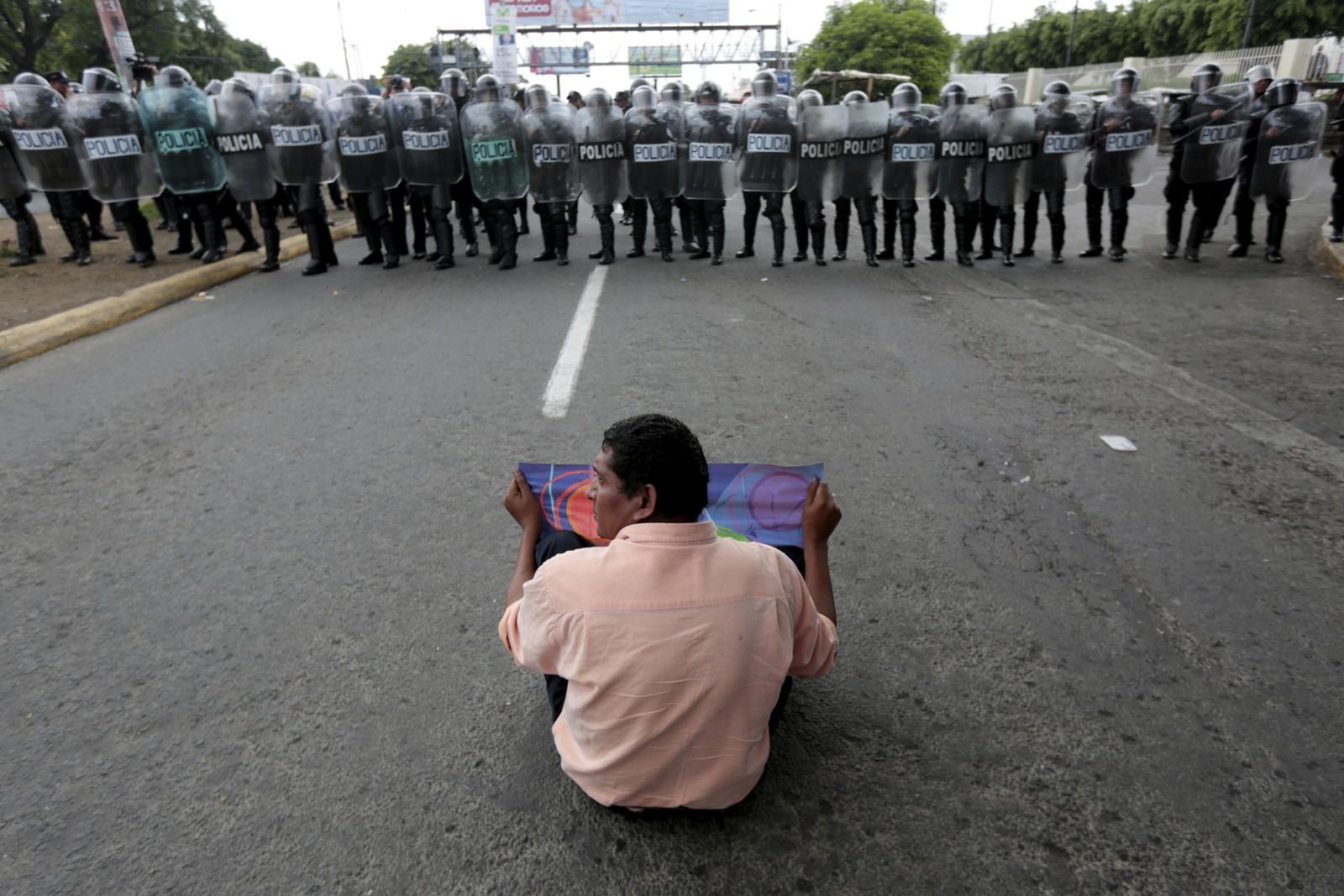 Neste år er det valg i Nicaragua, og denne uka ble det arrangert demonstrasjoner i hovedstaden Managua. Mer rettferdige valg var hovedparolen.