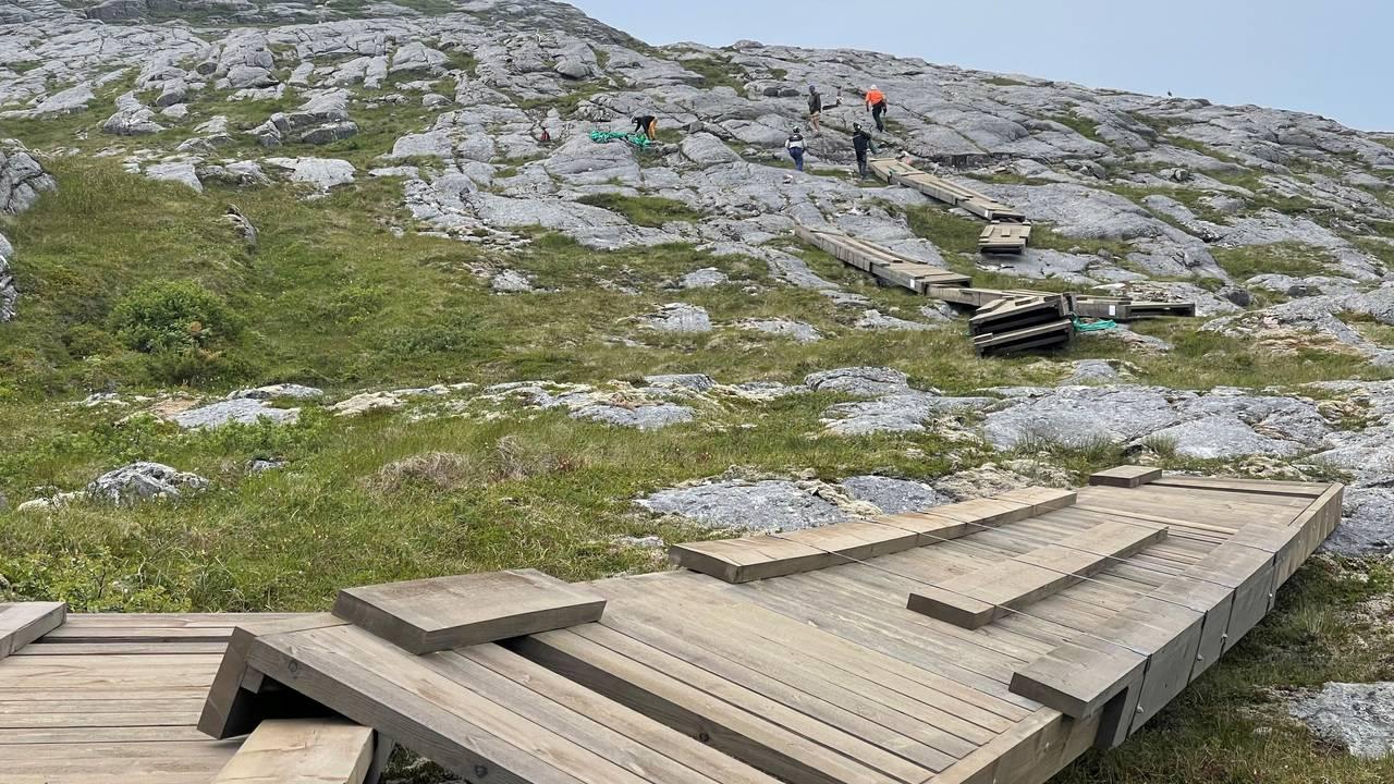 Bessaker, Åfjord, bygging av trapp