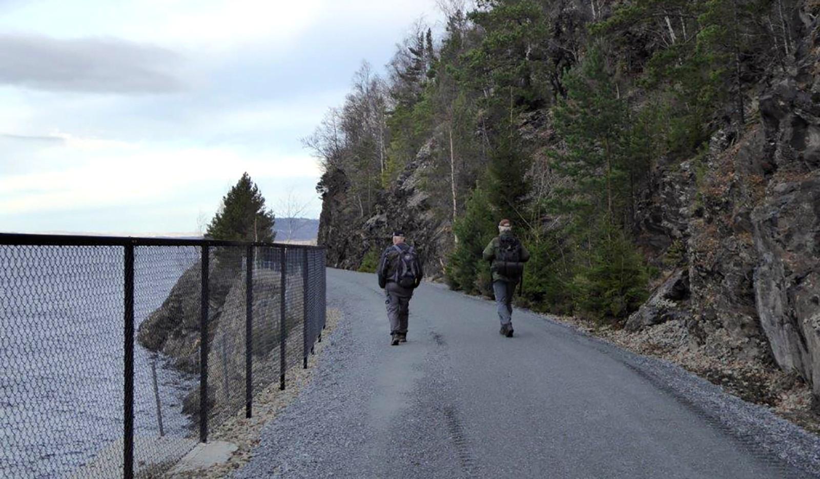 Den nye turveien Hommelvik--- Murvik langs det gamle jernbanesporet.