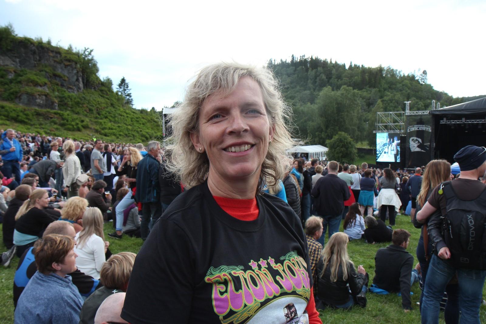 Mange Elton John-fans hadde tatt turen til Sverresborg.