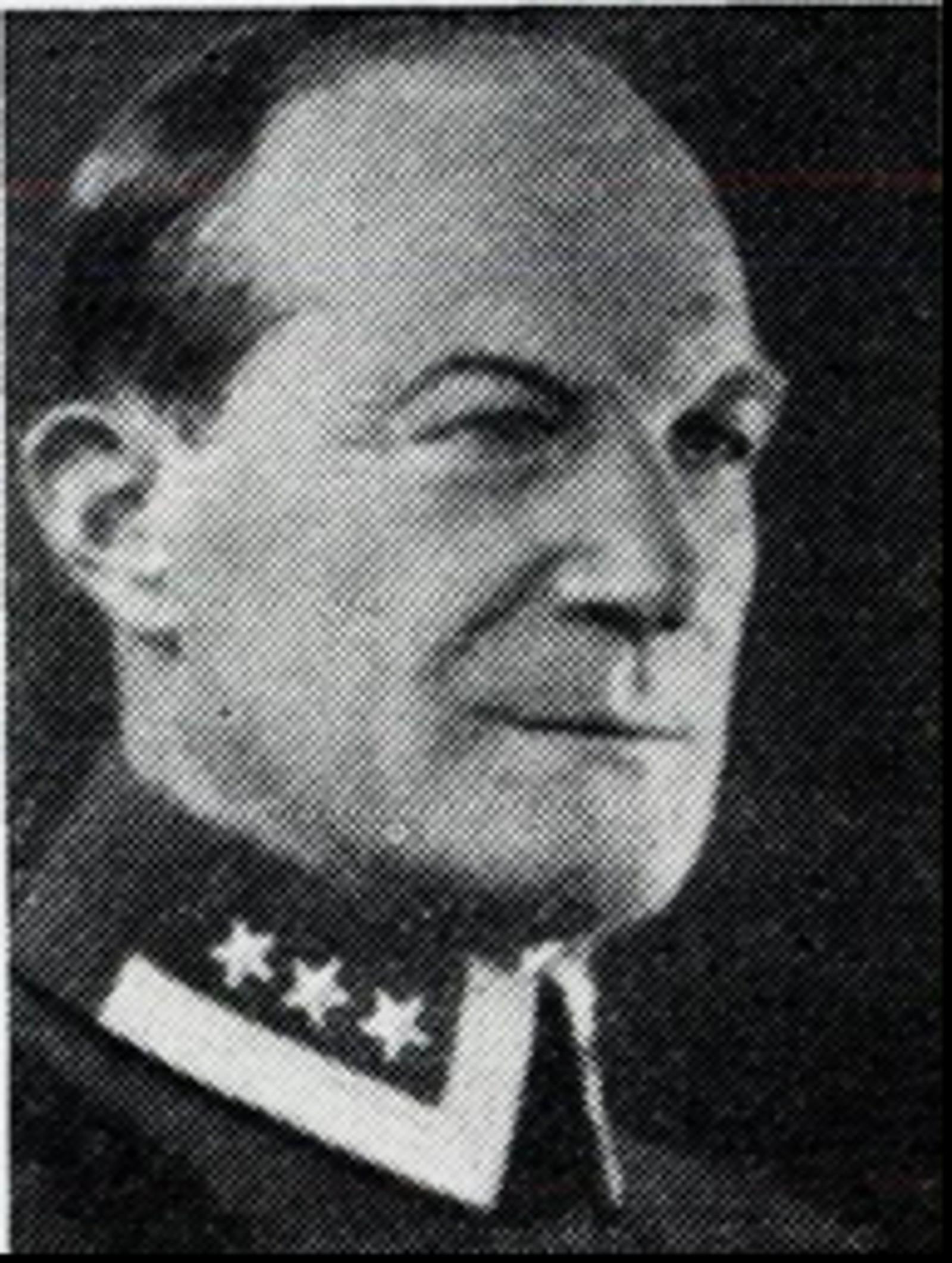 Jens Skjeldrup Hertzberg: Oberst, bodde i Oslo. Ble såret under bombeangrepet på Elverum 11.april 1940.