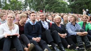 Eskil Pedersen, Jens Stoltenberg og Gro Harlem Brundtland på Utøya