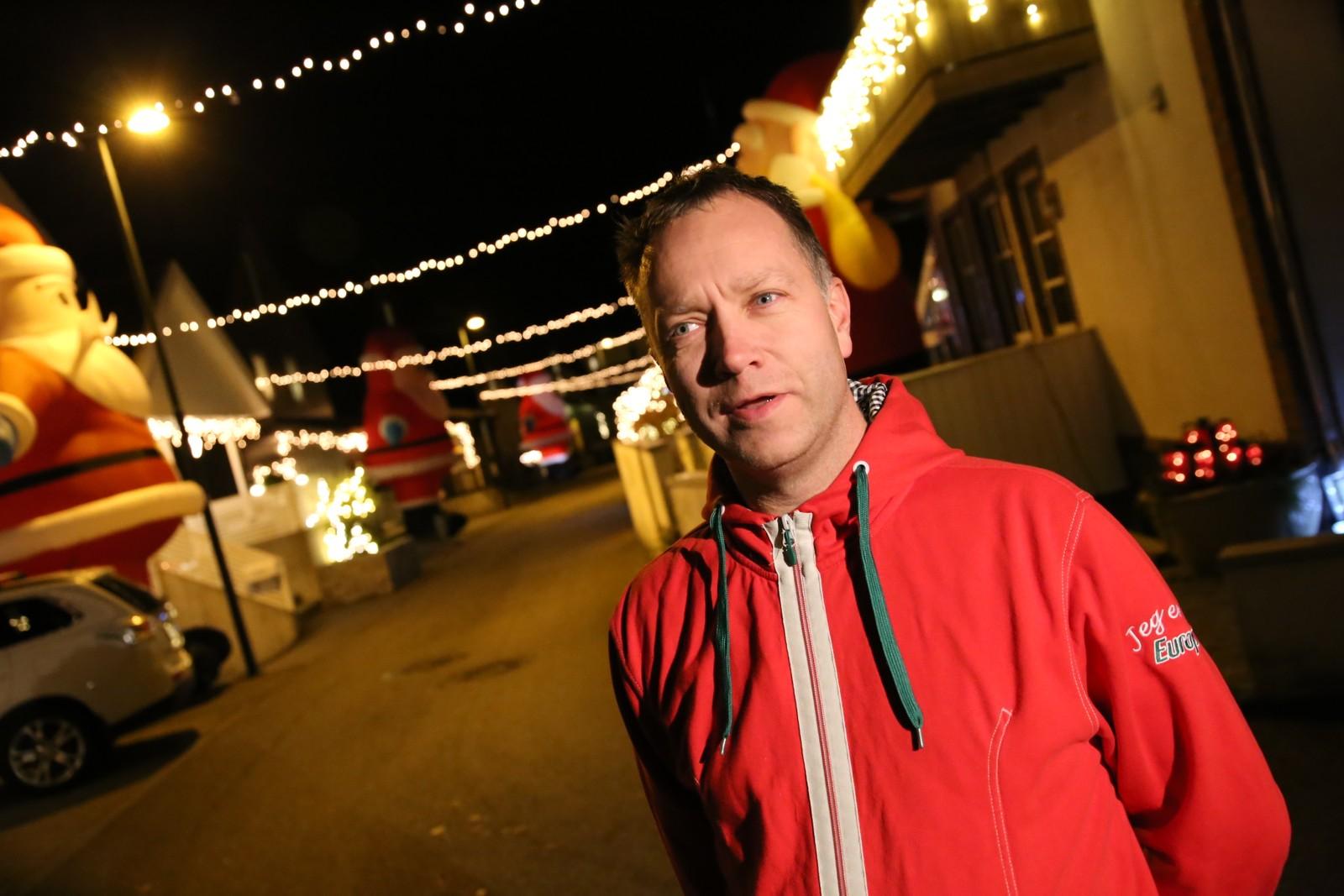 Robert Håland frå Randaberg er pådrivaren for at gata han bur i skal vera den mest julete i heile fylket.