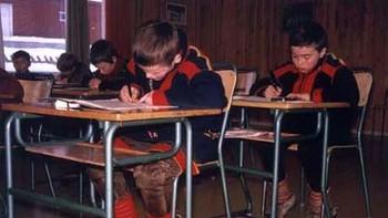 Thoralf og klassa hans hadde ei norsktalande lærarinne sørfrå som var svært streng.