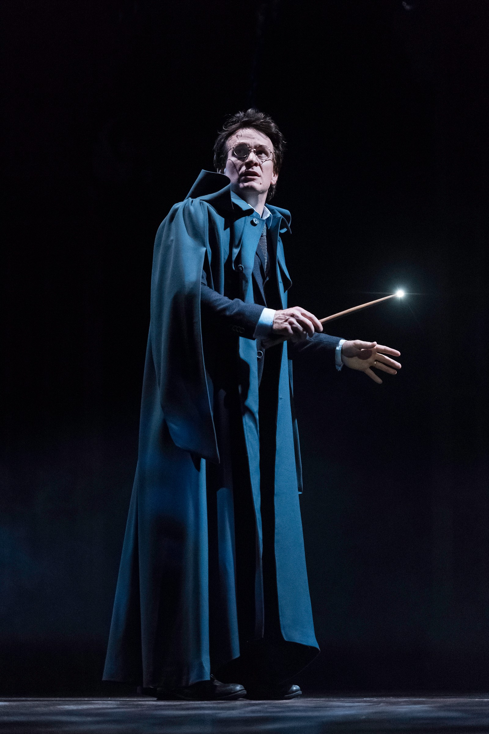 DEN ÅTTENDE FORTELLINGEN: «Harry Potter and the Cursed Child» er den åttende fortellingen om trollmannen Harry Potter, og spilles på teaterscenen i Londons West End.
