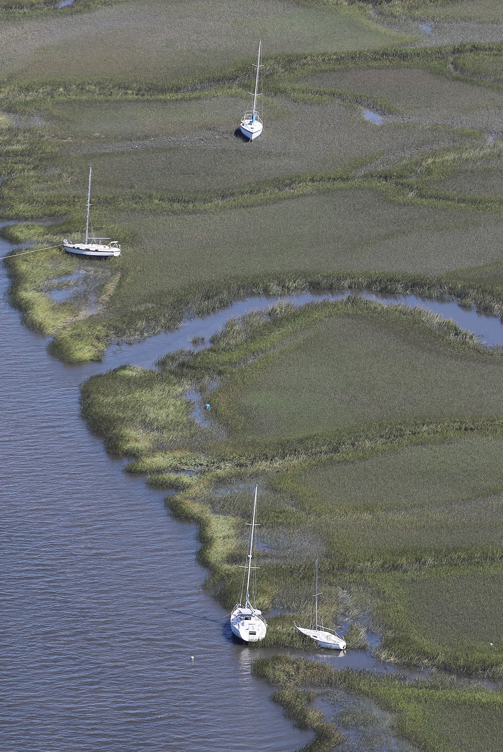 Ankerfestet til flere seilbåter har blitt blåst vekk i Shelman Bluff, Georgia, søndag.