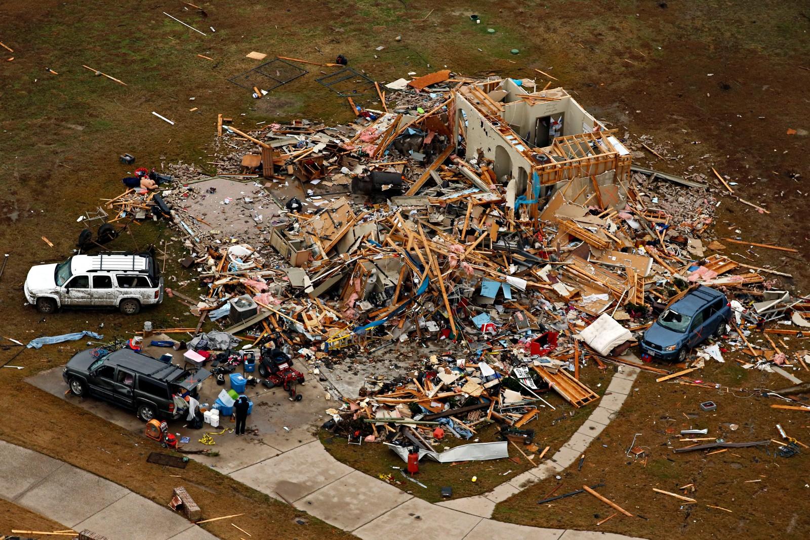 Det er bare pinneved igjen av dette huset i Dallas, Texas etter at en tornado feide gjennom området i slutten av desember. Over 40 er døde etter ekstremværet i USA.