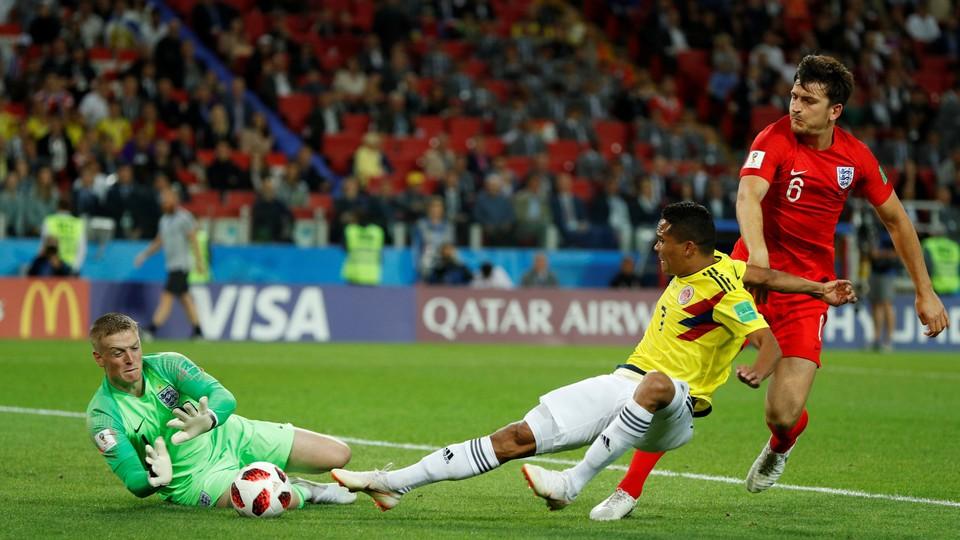 Fotball - VM: Høydepunkter 8-delsfinaler Sverige - Sveits og Colombia - England