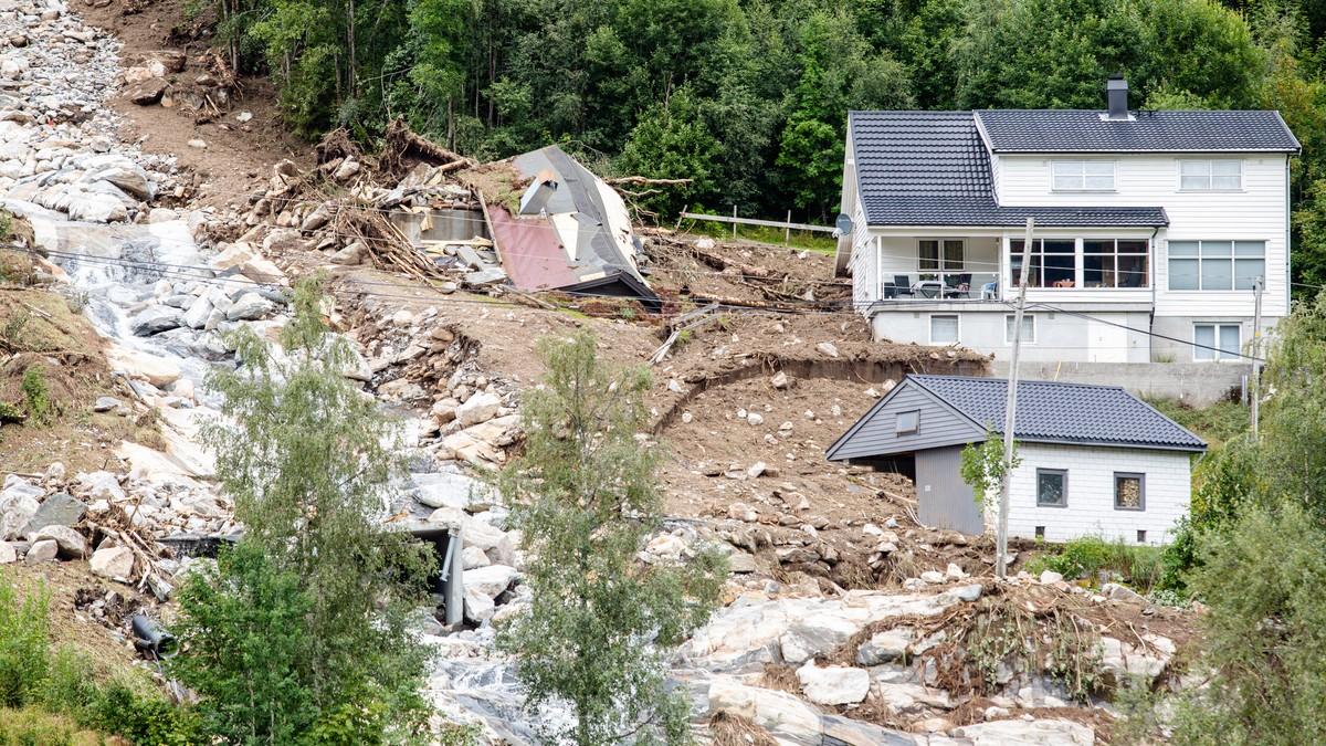 Jordskred vil skje oftere og på steder og tider vi ikke er vant til, ifølge rapporten. Her fra Jølster forrige uke.