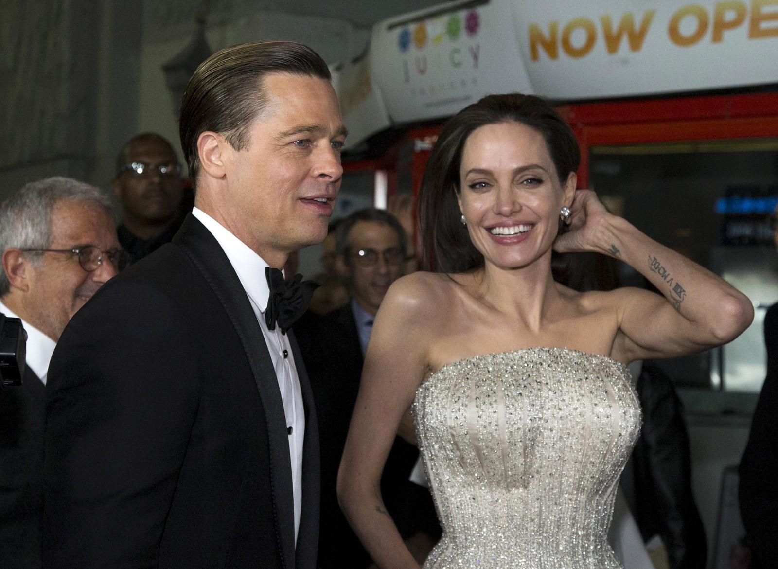 Paret dukker opp på premierefesten til filmen «By the Sea» 5. november 2015 - en film de begge spilte i, og som Jolie selv regisserte.