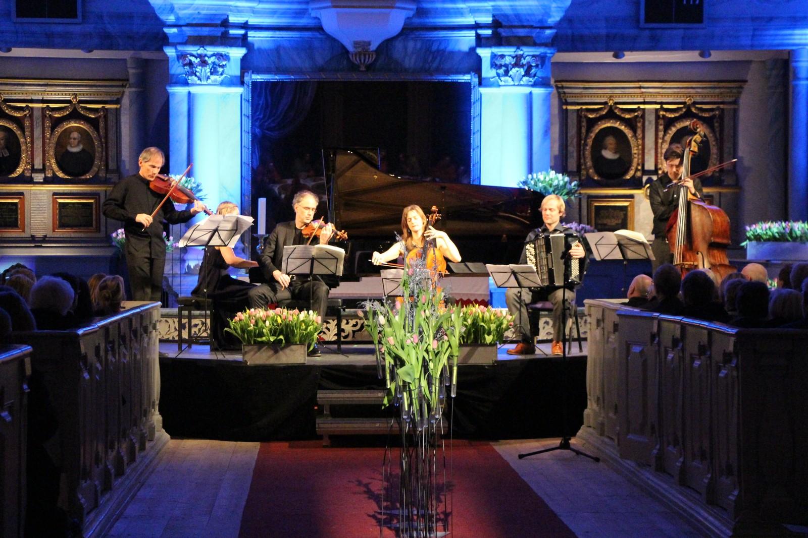 Fra åpningskonserten til årets Vinterfestspill i Røros kirke.