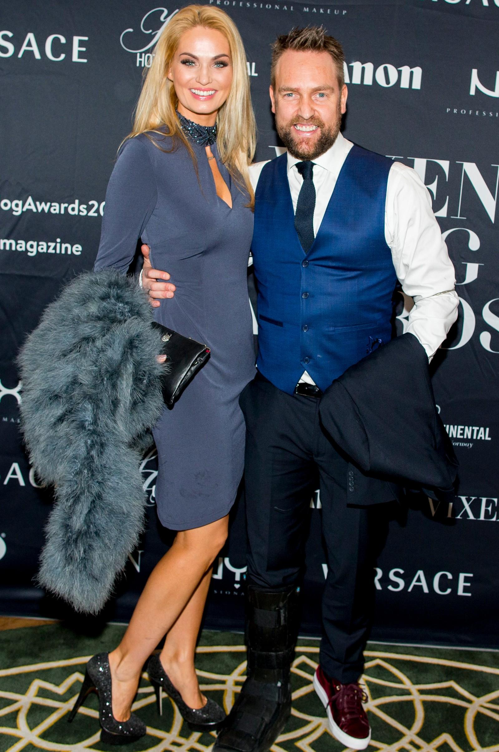 Marna Haugen Burøe (Komikerfrue) og Ørjan Burøe ankommer Vixen Blog Awards 2015 på Hotel Continental i Oslo fredag kveld.