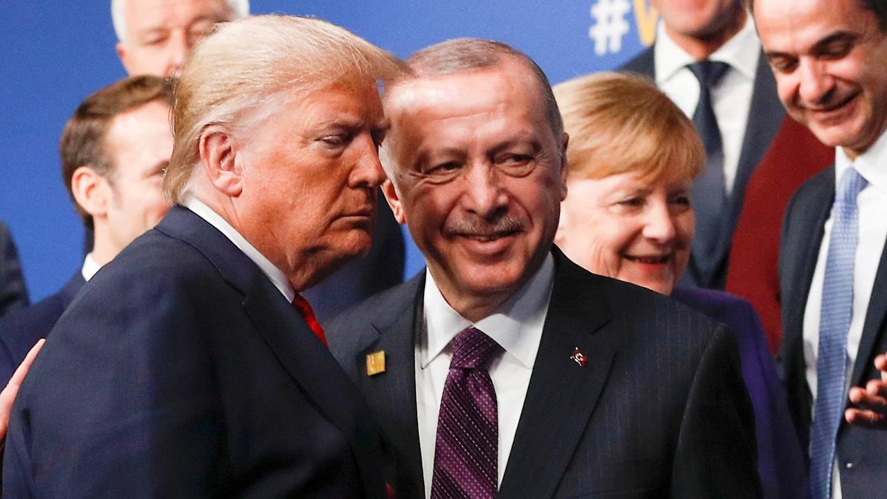 USAs president Donald Trump og Tyrkias president Recep Tayyip Erdogan under Nato-toppmøtet i Watford, 4. desember 2019.