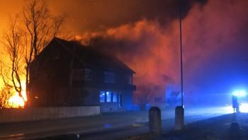 Hus i brann i Lærdal