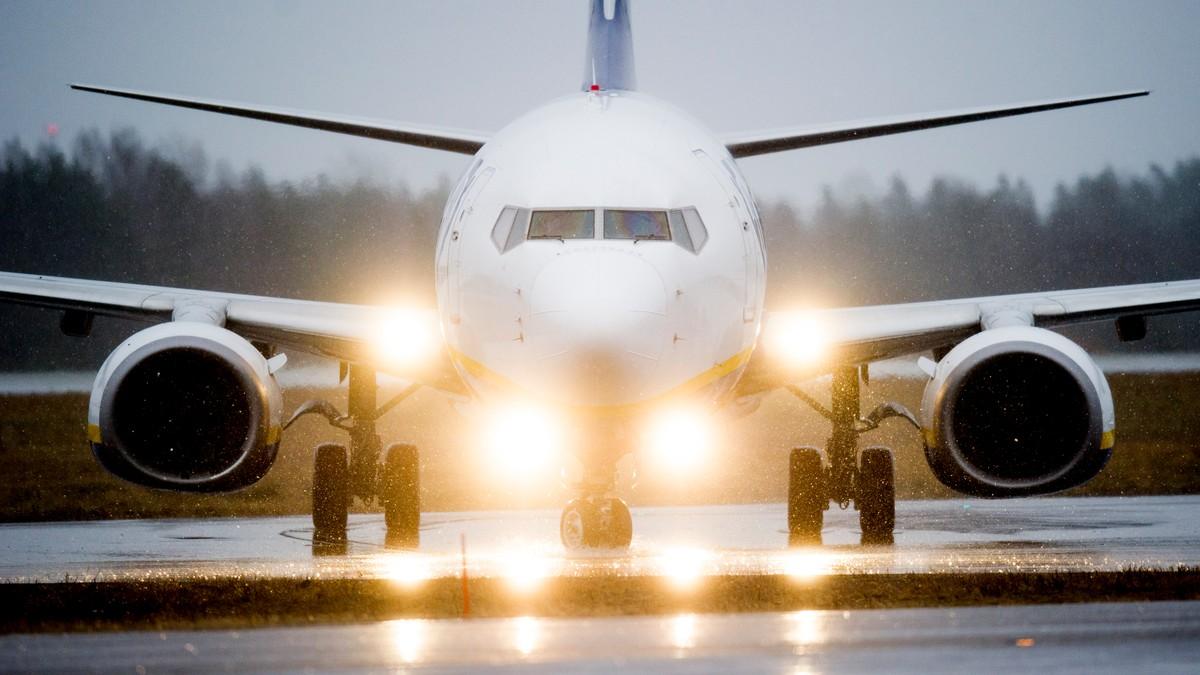 Fly letter fra rullebanen - Foto: Nesvold, Jon Olav/NTB scanpix