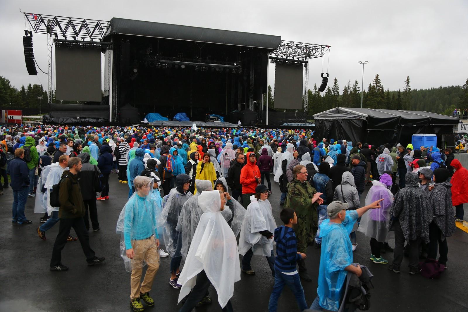 Publikum i regn