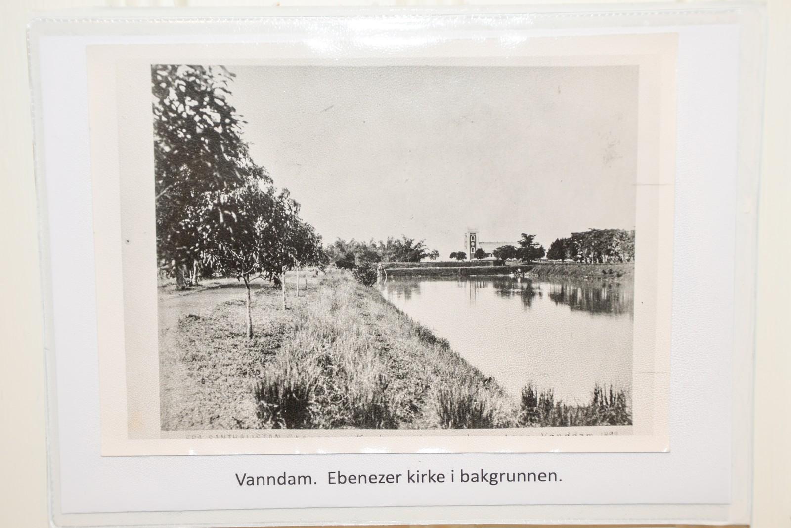 Misjonærene ledet arbeidet med å grave ut store reservoarer for å samle vann til bruk i tørketiden.