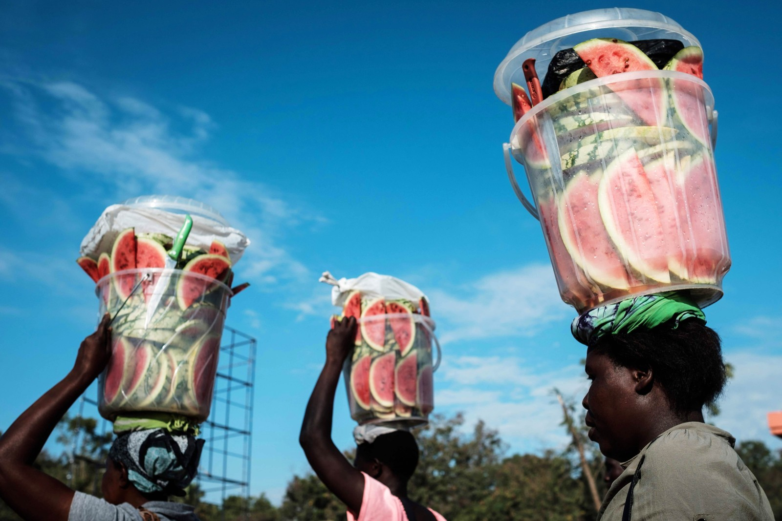 Kvinner på vei til et marked i Kisumu i Kenya.