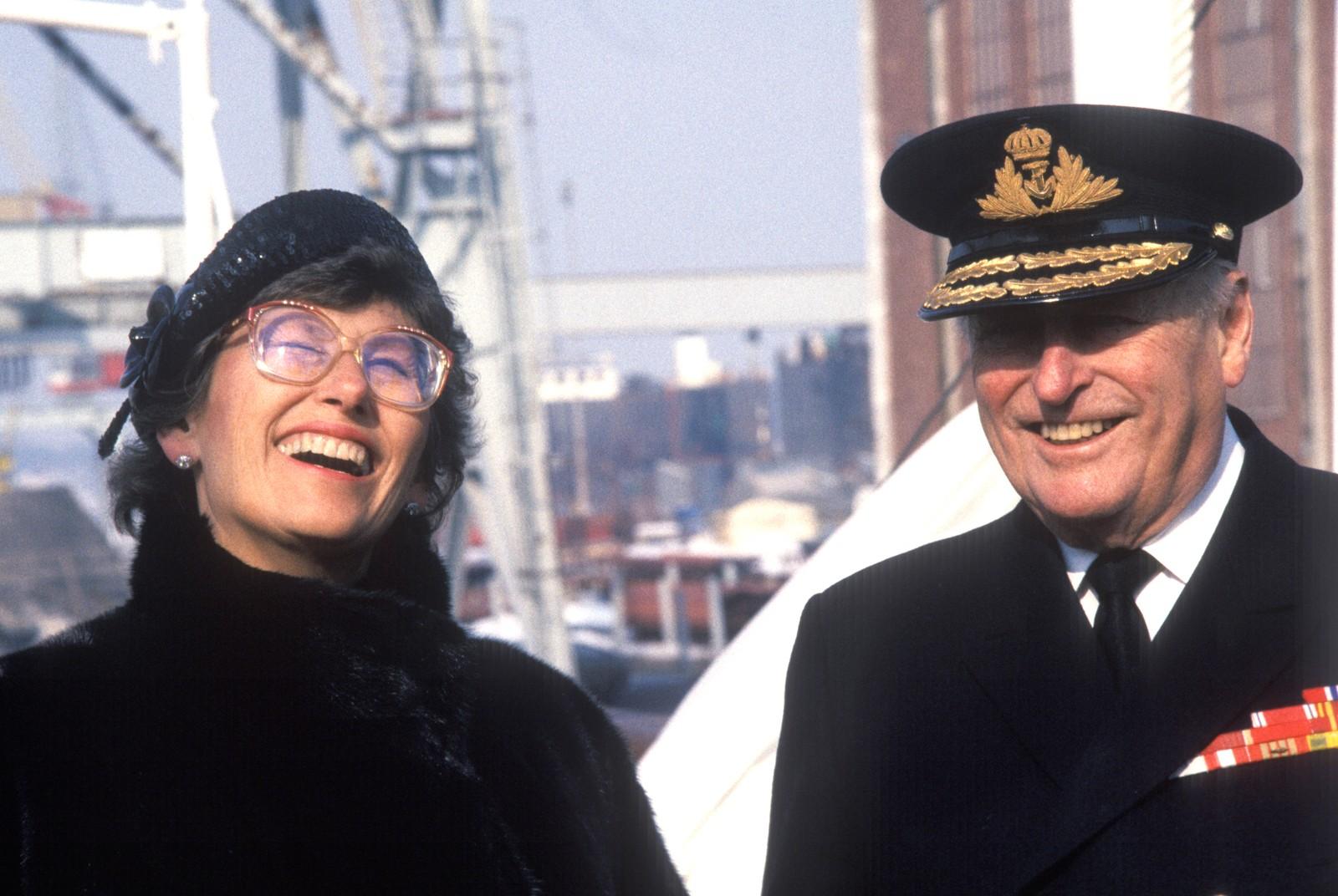 """VED FAR SI SIDE: Prinsesse Astrid stod ved far si side som førstedame i 14 år. Dei stod kvarandre nær. Her i 1986 ombord i det nyrestaurerte kongeskipet """"Norge"""" etter overleveringa ved Horten Verft."""