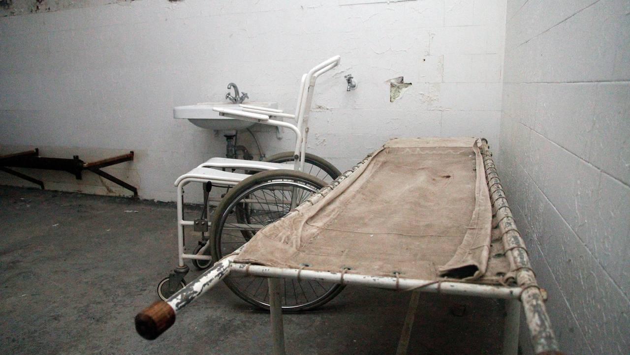 Båre og rullestol