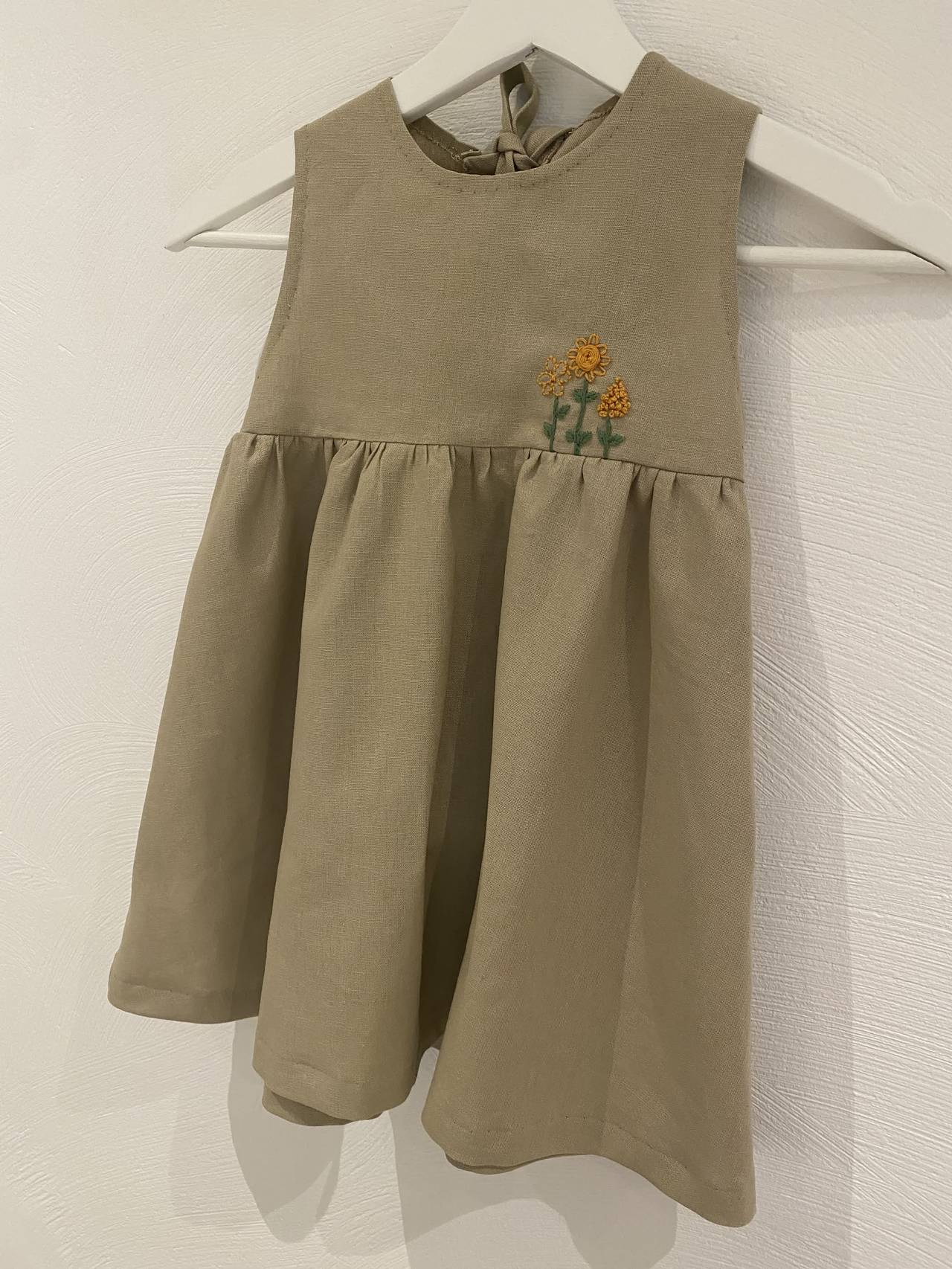 Karoline har sydd denne flotte barnekjolen.